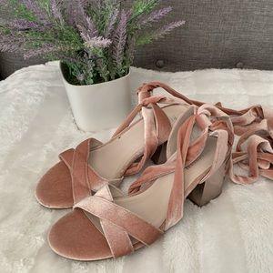 Lovely velvet pink ballerina style shoes